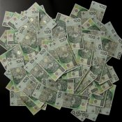 powiększenie - pieniądze